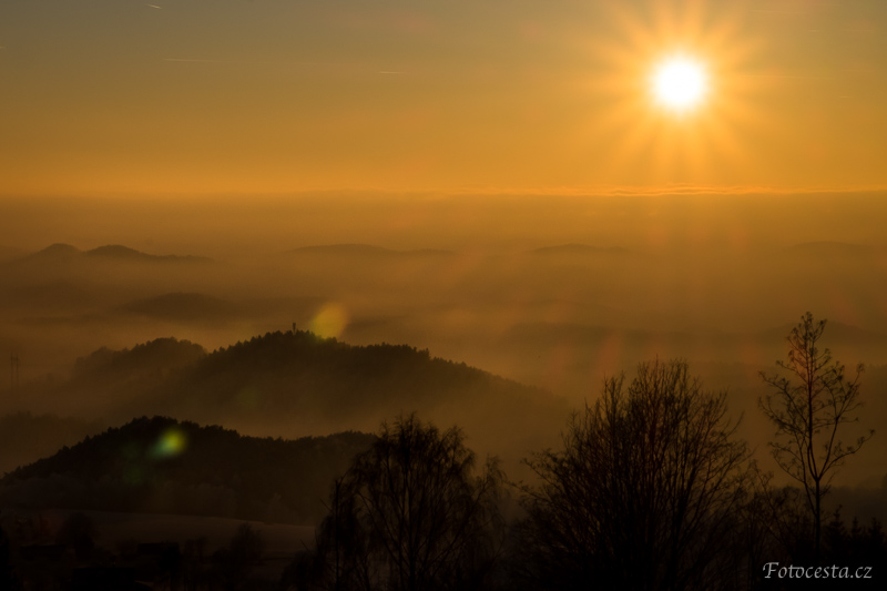 Západ slunce u Světlé pod Ještědem.