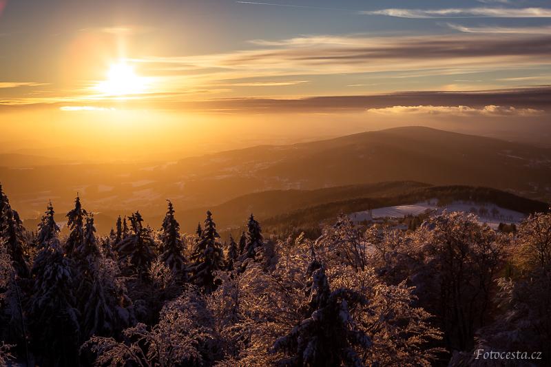 Západ slunce z rozhledny Štěpánka.