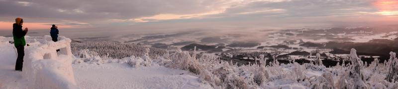 Zimní panorama z Ještědu.