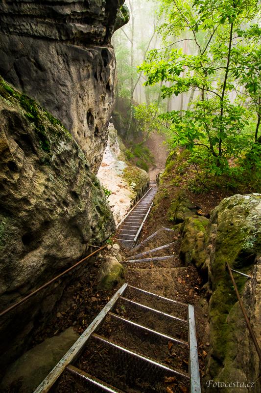 Železné schody na Starou Hradu.