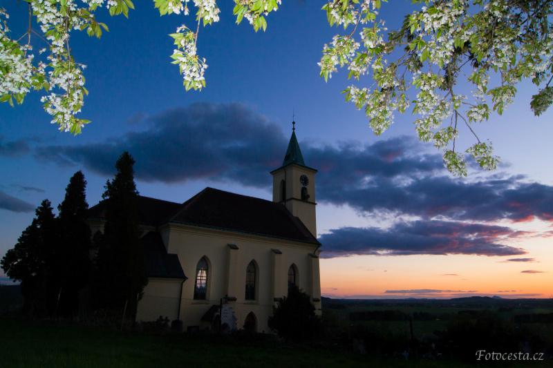 Kostel ve Všeni.