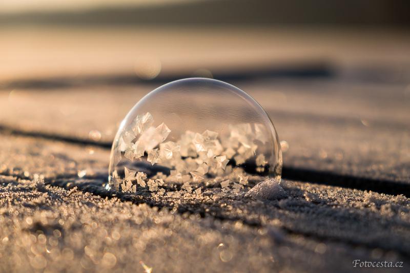 Zamrzlá bublina.